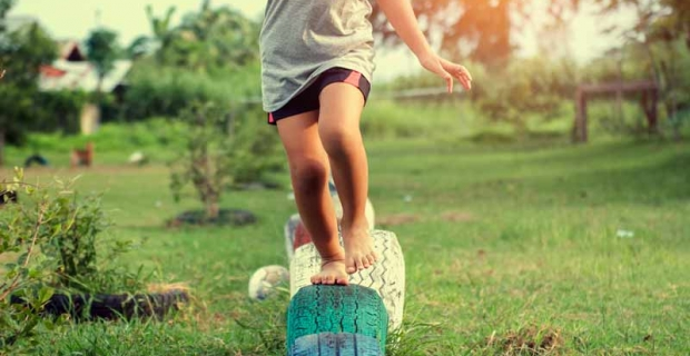 Is Barefoot the Better Type of Shoe for Children?