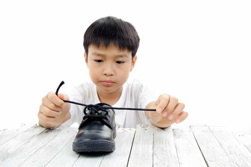 How do i teach my kid to tie shoe