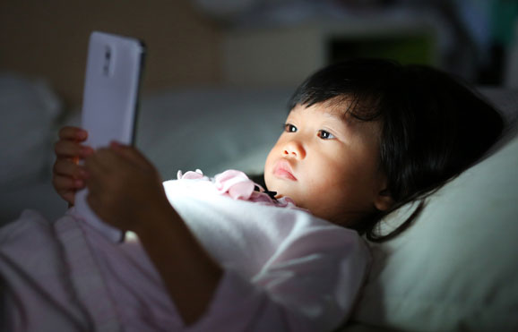 Screen Time Overdose - The Silent Risk in Your Kids Bedroom